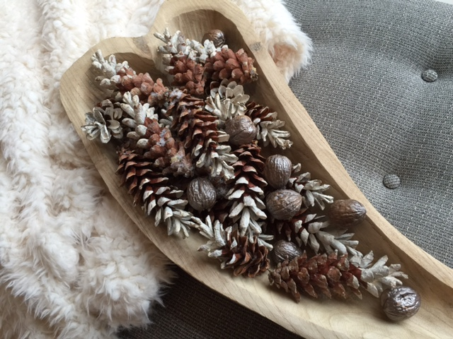 November DIY Project: Paint dipped pine cones for your holiday tablescapes! - McNabb & Risley